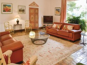 Holiday Home Le Rouret with a Fireplace 09, Ferienhäuser  Le Rouret - big - 2