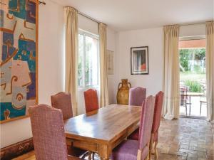 Holiday Home Le Rouret with a Fireplace 09, Ferienhäuser  Le Rouret - big - 4