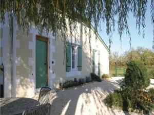 Two-Bedroom Holiday Home in Soumeras