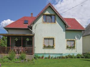 obrázek - Three-Bedroom Apartment in Vonyarcvashegy