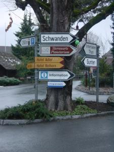 Chalet Sunneschyn, Apartmány  Schwanden - big - 18