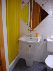 Chalet Sunneschyn, Apartmány  Schwanden - big - 11