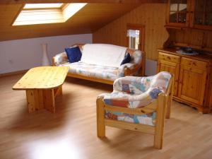 Chalet Sunneschyn, Apartmány  Schwanden - big - 4