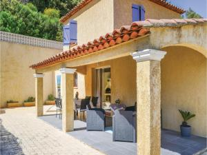 Three-Bedroom Holiday Home in Meounes Les Montrieux, Holiday homes  Méounes-lès-Montrieux - big - 16