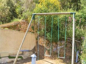 Three-Bedroom Holiday Home in Meounes Les Montrieux, Holiday homes  Méounes-lès-Montrieux - big - 15