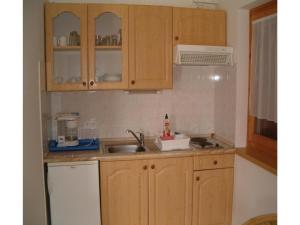 Dozsa György Utca-Balatonmáriafürdö, Apartments  Balatonkeresztúr - big - 11