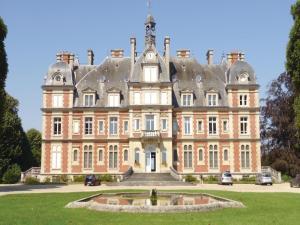 One-Bedroom Apartment in Ocquerre, Apartments  Ocquerre - big - 1