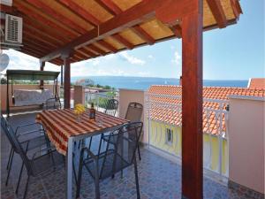Apartment Podstrana with Sea View VI, Apartmány  Podstrana - big - 20