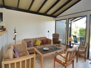 Holiday Home Idestrup with Fireplace I, Ferienhäuser  Bøtø By - big - 6
