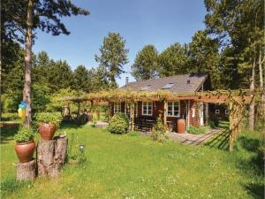 Two-Bedroom Holiday Home in Rodby - Maribo