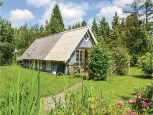 Three-Bedroom Holiday Home in Vaggerlose, Holiday homes - Bøtø By