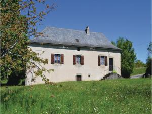 Two-Bedroom Holiday Home in Le Bouyssou