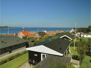 Three-Bedroom Holiday home Farsø with a Fireplace 03 - Gedsted