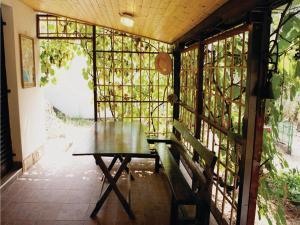 Four-Bedroom Holiday home 0 in Dobre Vode, Case vacanze  Dobra Voda - big - 13