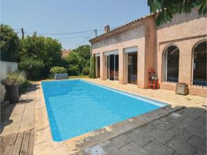 Apartment One Bedroom Holiday Home in Aix en Provence