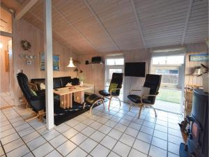 Three-Bedroom Holiday Home in Juelsminde, Case vacanze  Sønderby - big - 5