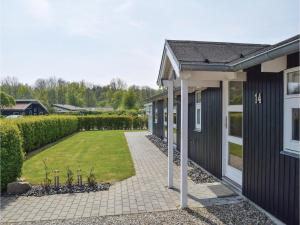 Three-Bedroom Holiday Home in Juelsminde, Holiday homes  Sønderby - big - 17
