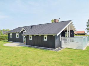 Three-Bedroom Holiday Home in Juelsminde, Holiday homes  Sønderby - big - 16