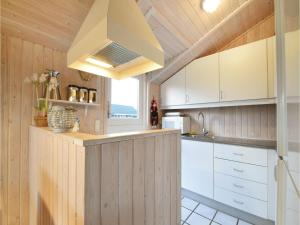 Three-Bedroom Holiday Home in Juelsminde, Holiday homes  Sønderby - big - 18