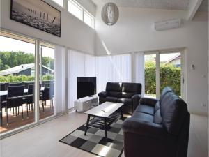 Three-Bedroom Holiday Home in Juelsminde, Case vacanze  Sønderby - big - 5