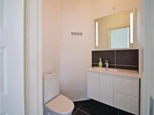 Three-Bedroom Holiday Home in Juelsminde, Case vacanze  Sønderby - big - 12