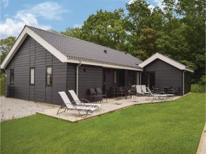 Four-Bedroom Holiday Home in Juelsminde, Ferienhäuser  Sønderby - big - 1