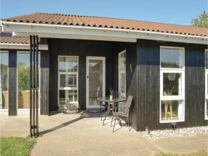 Four-Bedroom Holiday Home in Juelsminde, Nyaralók  Sønderby - big - 21