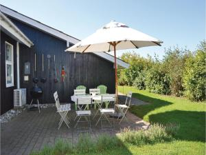 Four-Bedroom Holiday Home in Juelsminde, Nyaralók  Sønderby - big - 20