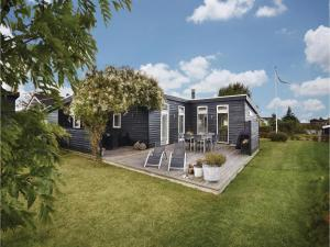 Four-Bedroom Holiday Home in Juelsminde, Holiday homes  Sønderby - big - 1