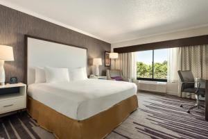 DoubleTree by Hilton Milwaukee/Brookfield, Отели  Брукфилд - big - 21