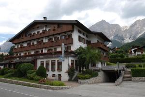 Hotel Albergo Dolomiti - AbcAlberghi.com