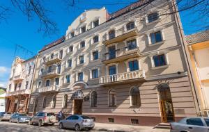 Отель Станиславов, Ивано-Франковск