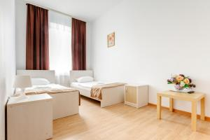 Budget Twin with Shared Bathroom Guest house Isaevsky