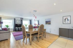 Capital Retreats - Shandwick Place, Apartments  Edinburgh - big - 1