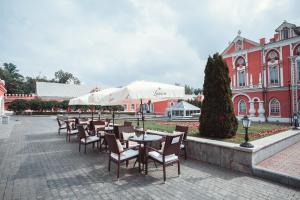 Petroff Palace (27 of 58)