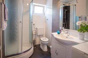 4-Bedroom Apartment in Malinska/Insel Krk 13139, Апартаменты  Малинска - big - 23