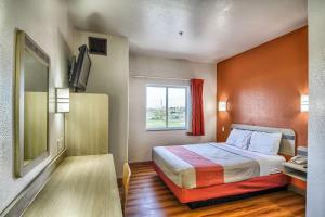 Motel 6 Mission, Мотели  Мишен - big - 2