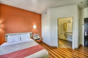 Motel 6 Mission, Мотели  Мишен - big - 4
