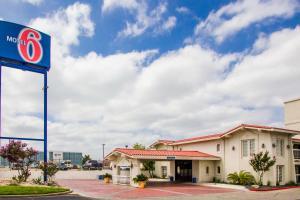Motel 6-Austin, TX - Midtown