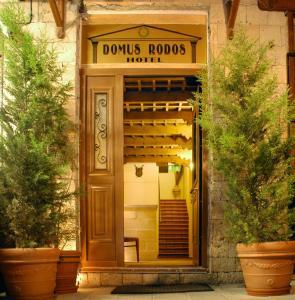 Hostales Baratos - Domus Hotel