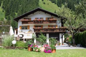 Pension Garni Christophorus - Accommodation - Partenen