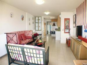 Three-Bedroom Apartment in Melissi, Apartments  Melission - big - 10