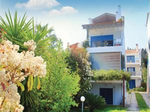 Three-Bedroom Apartment in Melissi, Apartments  Melission - big - 9