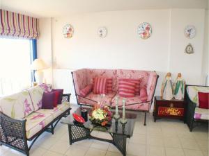 Three-Bedroom Apartment in Melissi, Apartmanok  Melíszi - big - 7