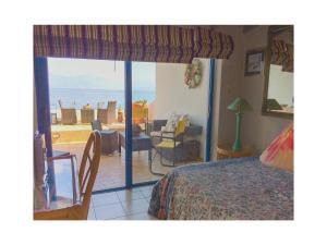 Three-Bedroom Apartment in Melissi, Apartments  Melission - big - 3