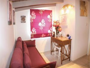 Three-Bedroom Apartment in Melissi, Apartments  Melission - big - 13