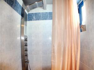 Three-Bedroom Apartment in Melissi, Apartments  Melission - big - 15