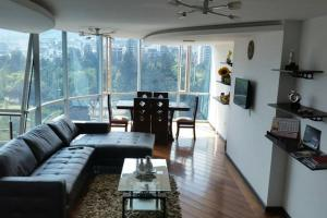 3BR*ALL IN ONE*LUXURY*LOCATION, Apartments  Quito - big - 1