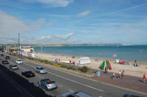 The Edenhurst Guesthouse, Bed & Breakfasts  Weymouth - big - 41