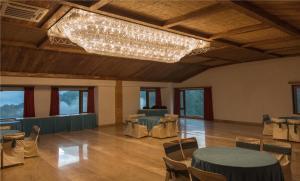 Hotel Pacific Mussoorie, Resorts  Mussoorie - big - 9